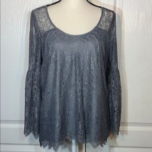 Kensie gray Lacey top with long bell style sleeves